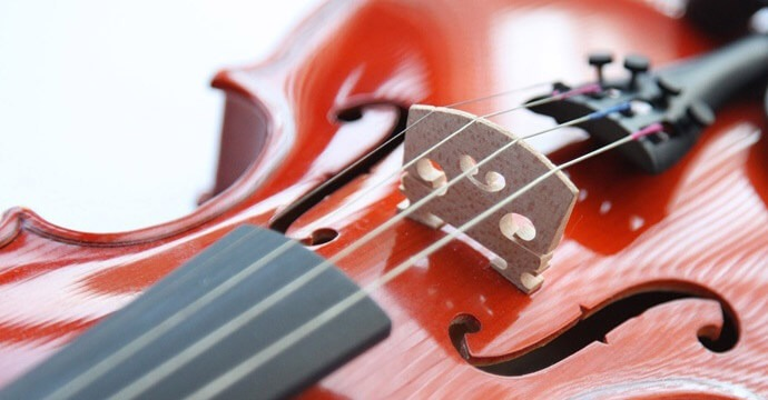 changing violin strings