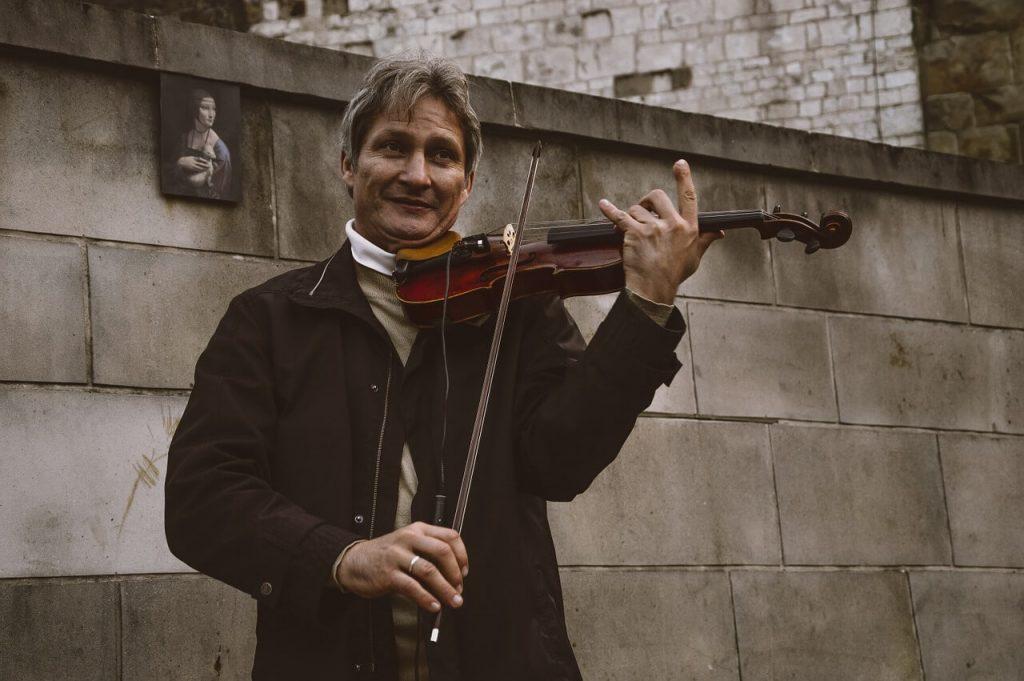 violin-player