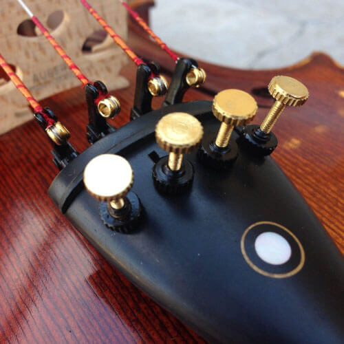 fine tuners to tune the violin