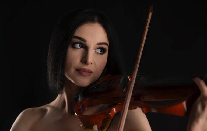 Top 13 Best Electric Violin Reviews + A Quick Guide for 2019